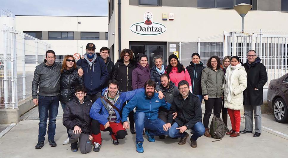 Alumnos de la UPNA visitan Riberega en Castejón