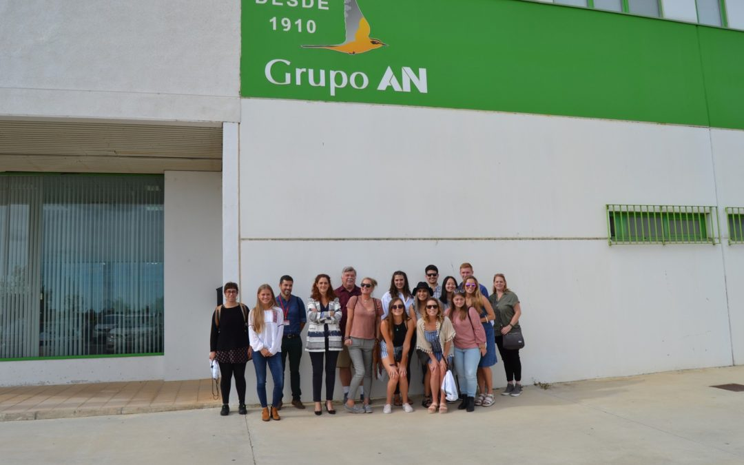 Universitarios de Pensilvania (USA) visitan el Grupo AN