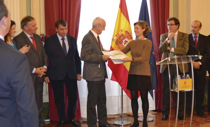 La ministra de Agricultura entrega al Grupo AN el reconocimiento de EAP