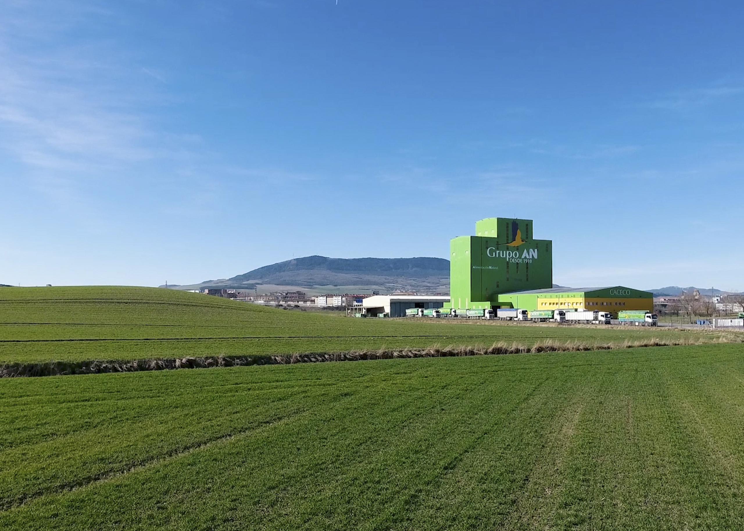 Imagen de la sede central de la cooperativa Grupo AN en Tajonar, Navarra